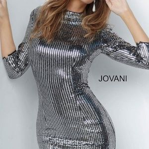 JOVANI Long Sleeve Fitted Short Dress